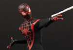 MEZCO ULTIMATE SPIDER-MAN FAKE